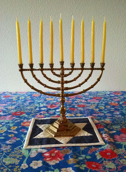menorah-and-mat